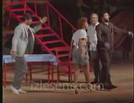Zeki Alasya Metin Akpinar Deliler apartman yöneticisi (3.bölüm)